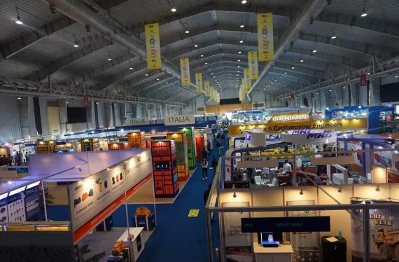 2015年东台诚博吊车参加了印度Excon工程机械展会